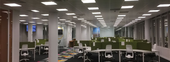 Instalación oficinas en Barcelona electricidad y voz-datos